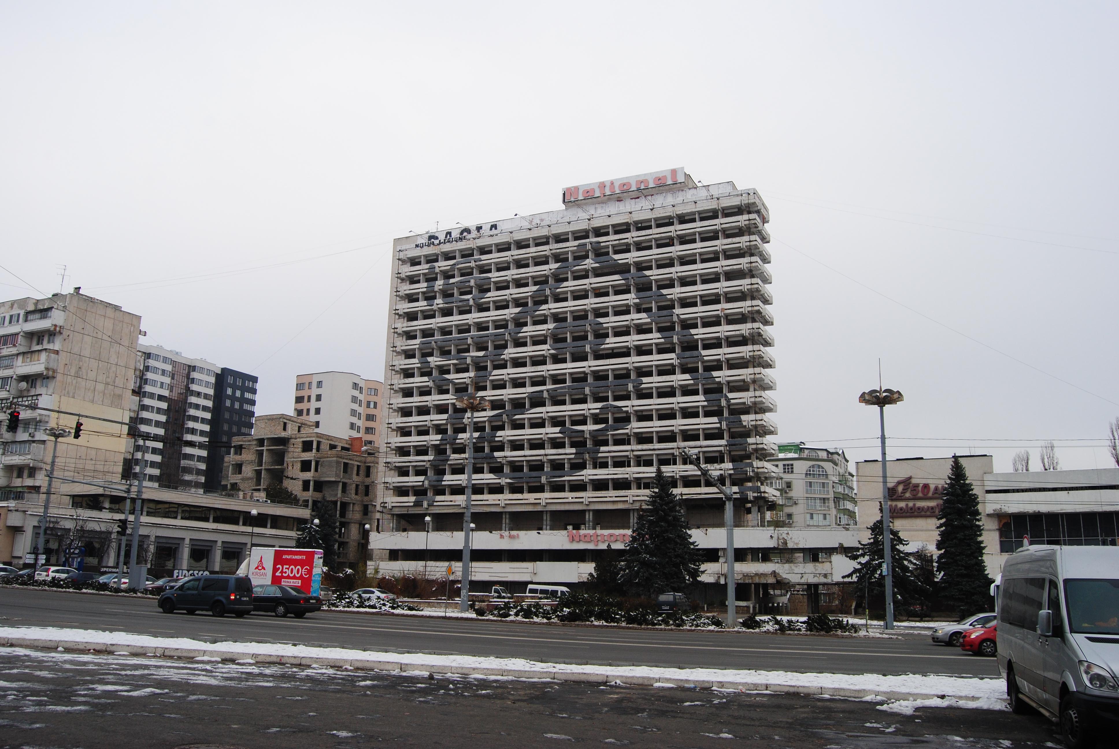El hotel National, abandonado en Chisinau