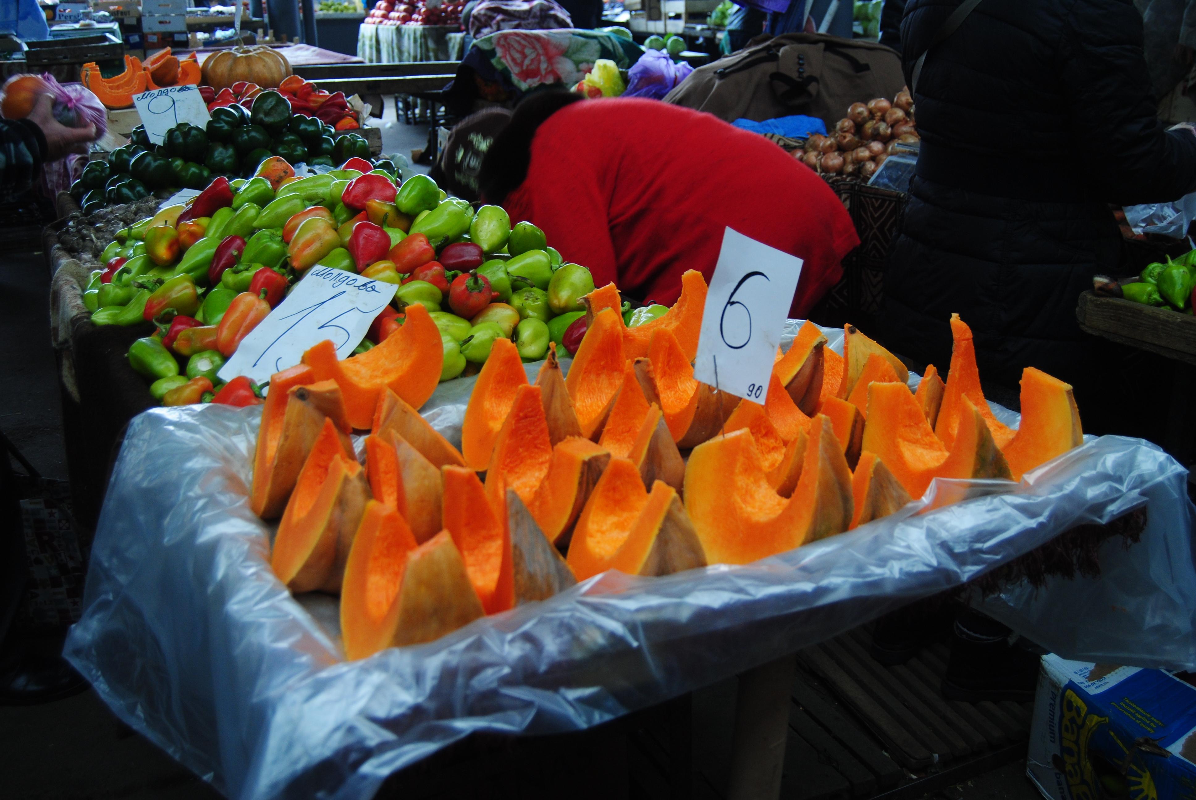 Mercado de fruta fresca en Chisinau
