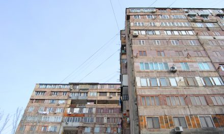 Las 33 de Dídac: Ereván, capital de una nación herida