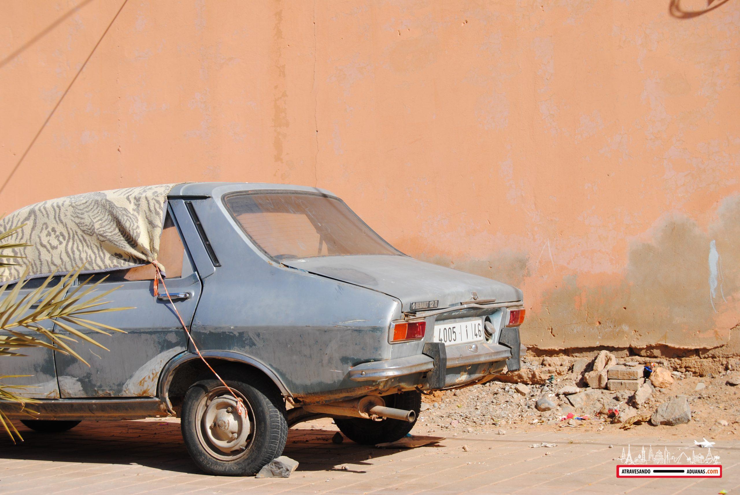 coche antiguo en Figuig