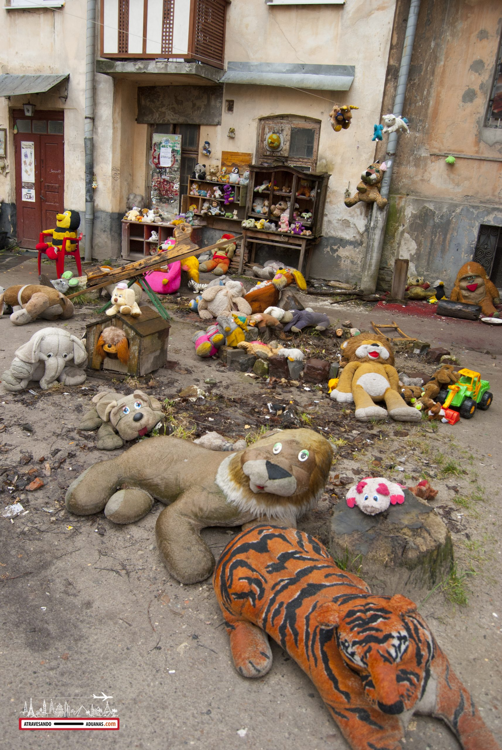 casa de los juguetes abandonados de lviv