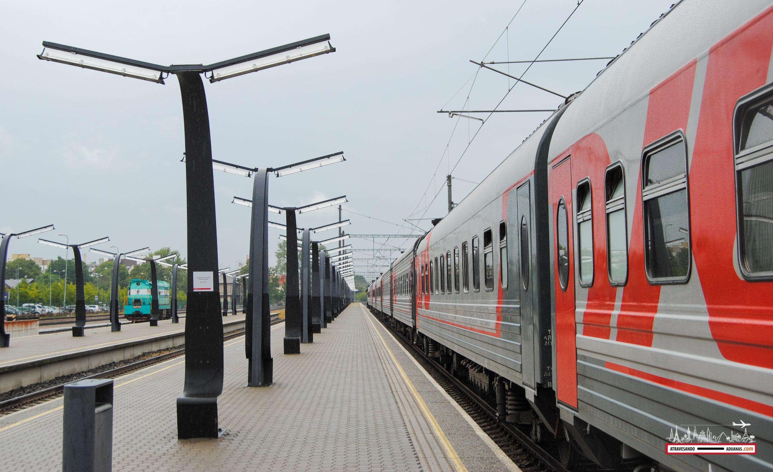 Expreso del Báltico a punto de salir, estación de Tallinn