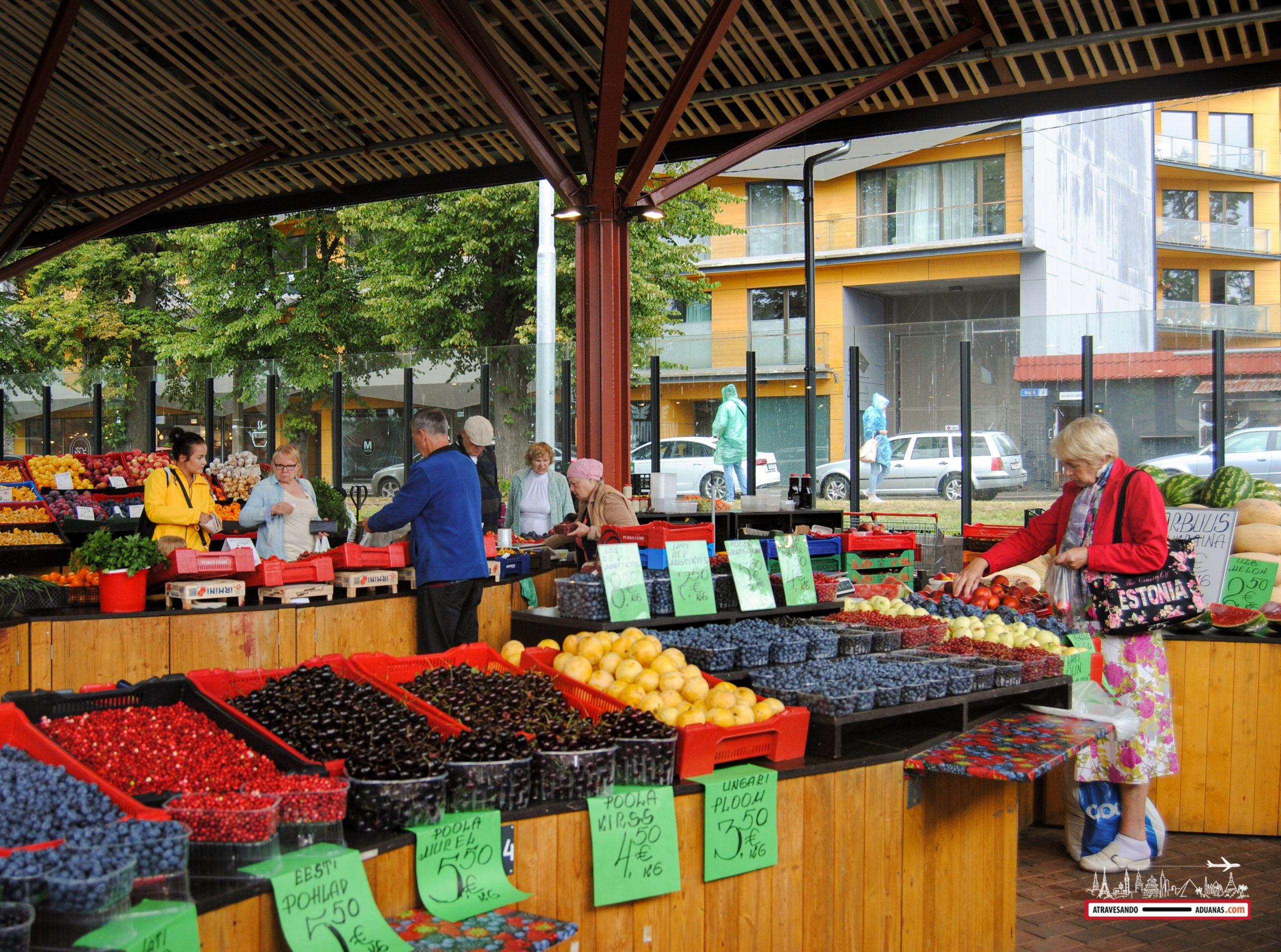 Mercado de la Estación Báltica de Tallinn