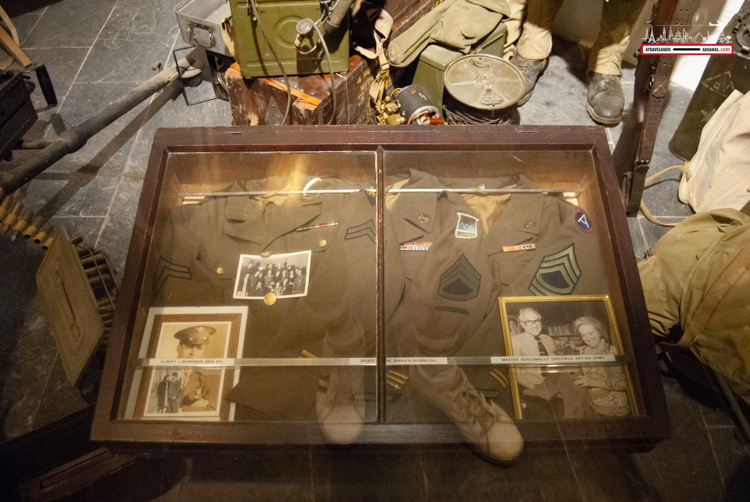 Uniforme aliado en el Museo de la Batalla de las Ardenas de Clervaux