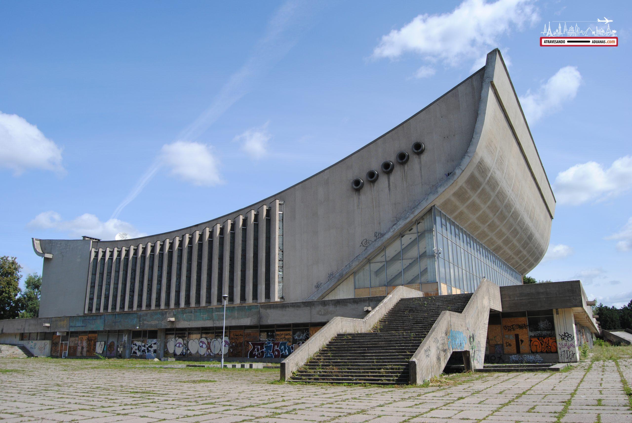 Complejo deportivo abandonado en Vilnius
