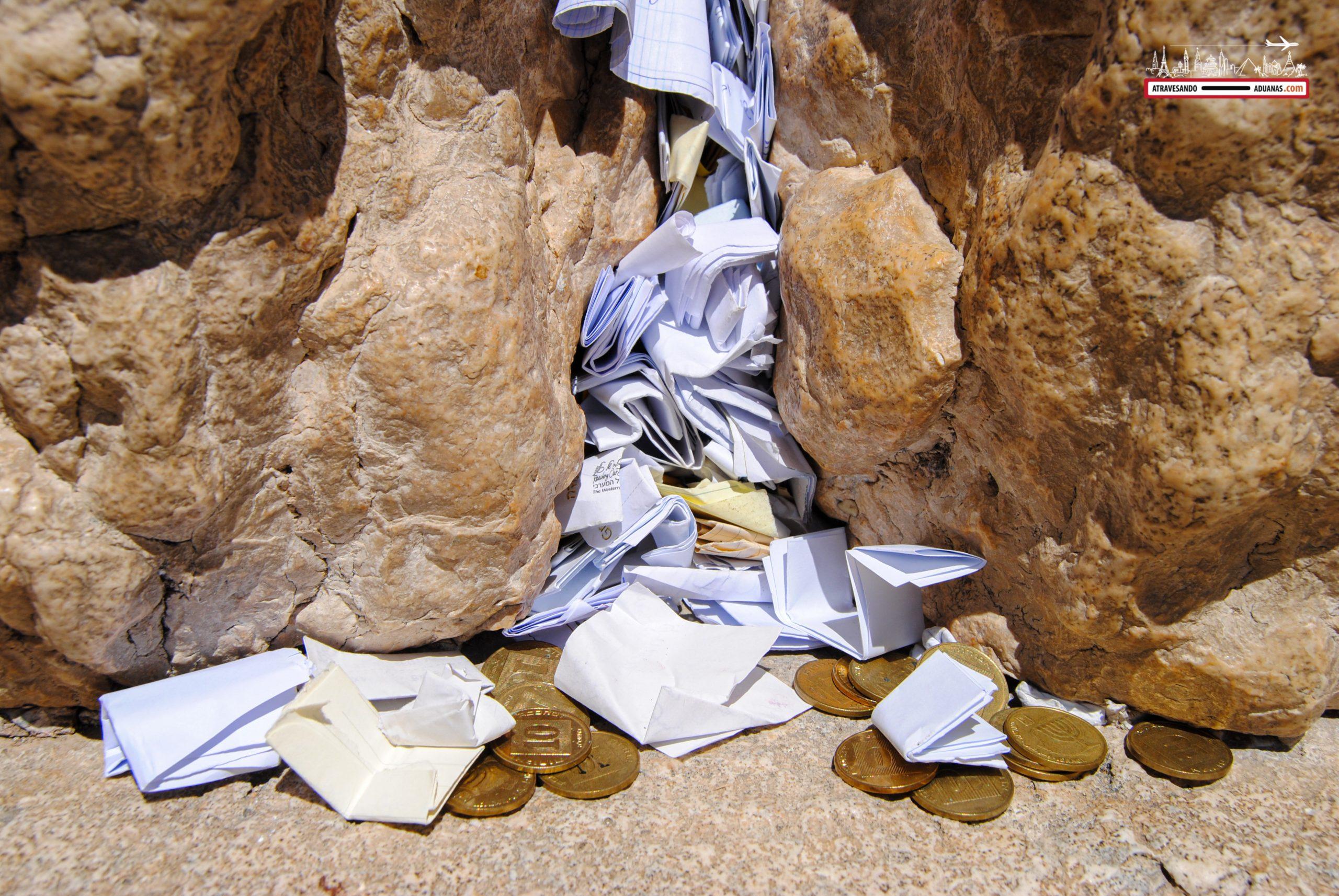 Papeles del muro de las lamentaciones, Jerusalén.