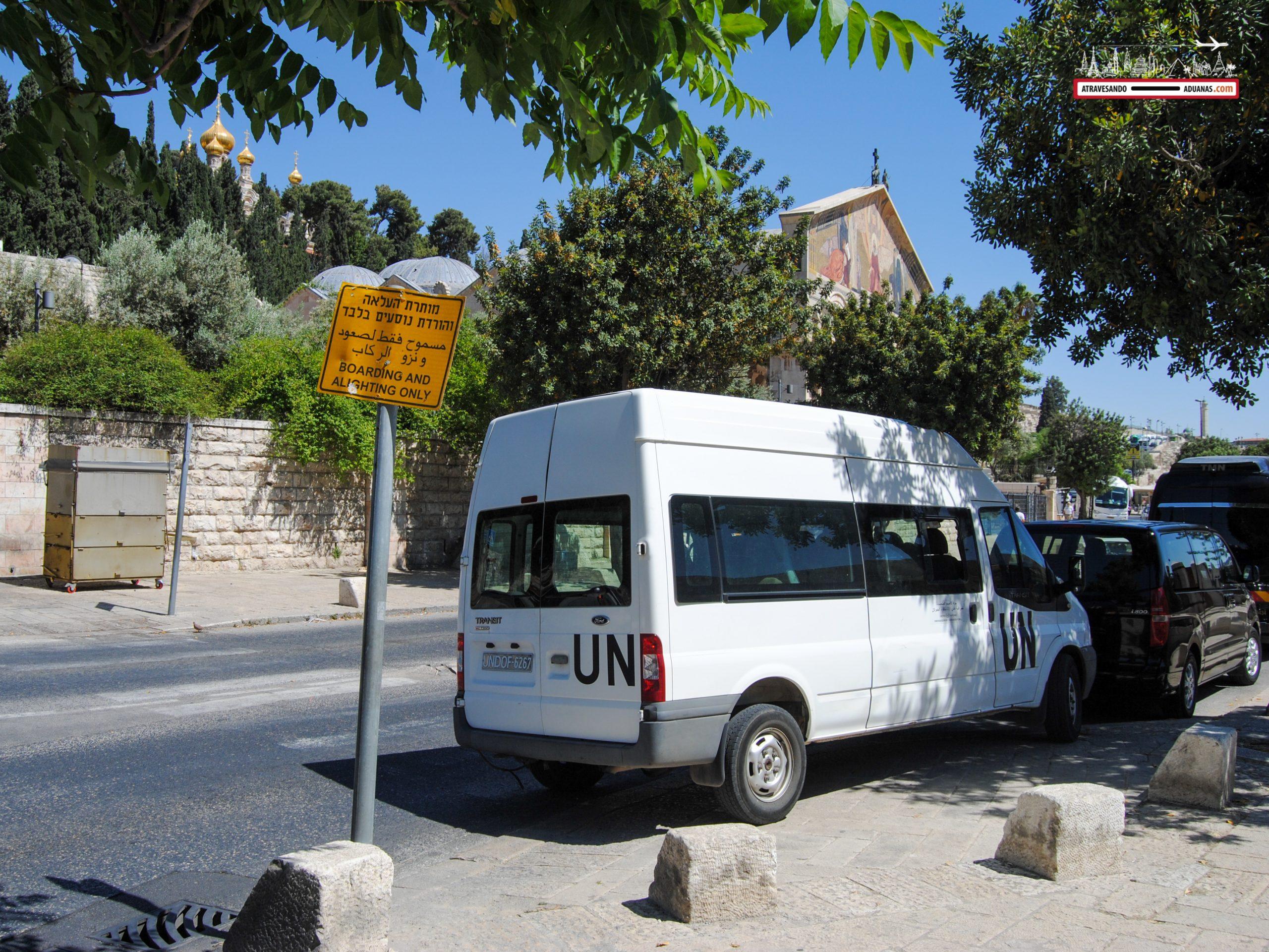 Vehículo de naciones unidas en Jerusalén