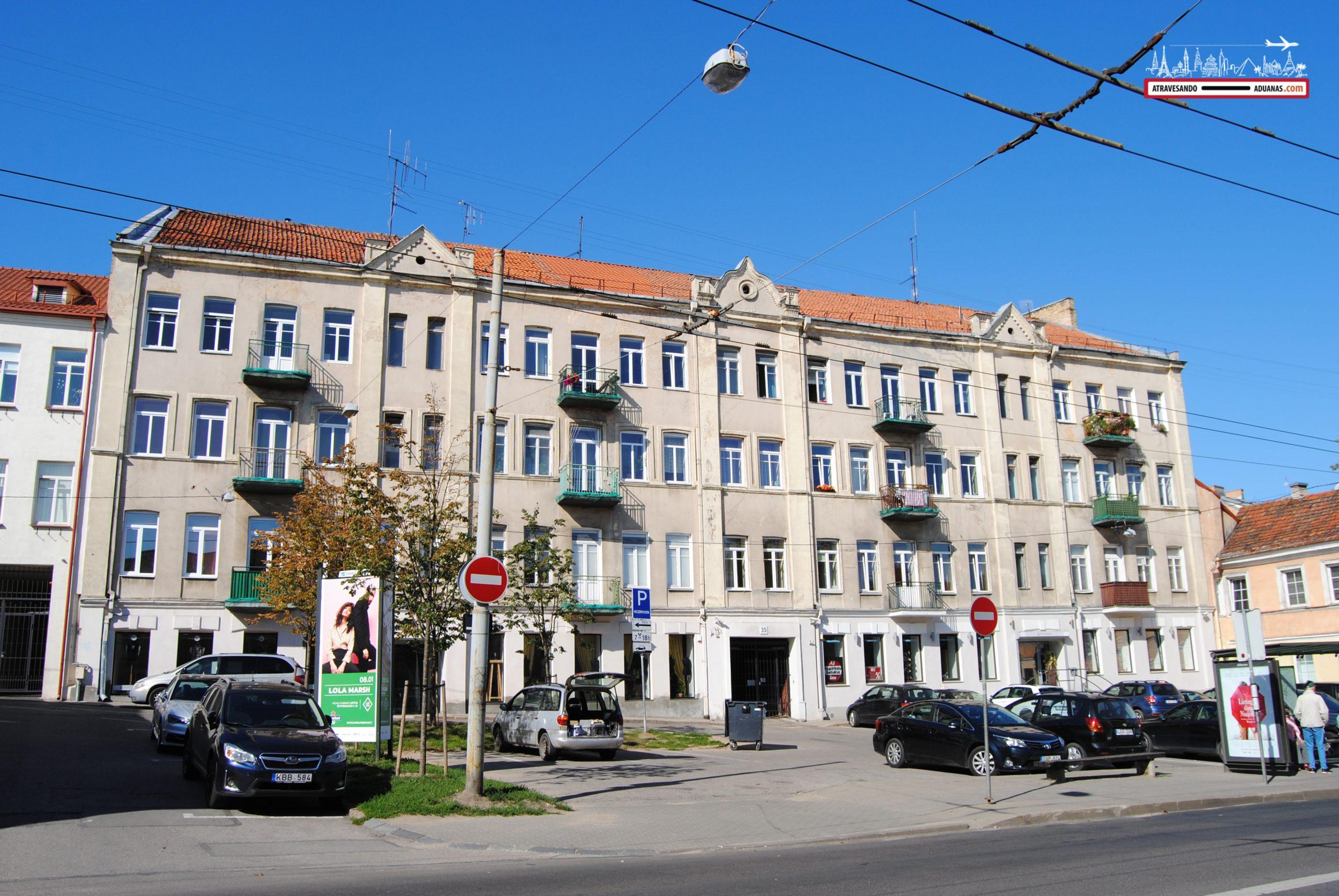Edificio ex-soviético en Vilnius