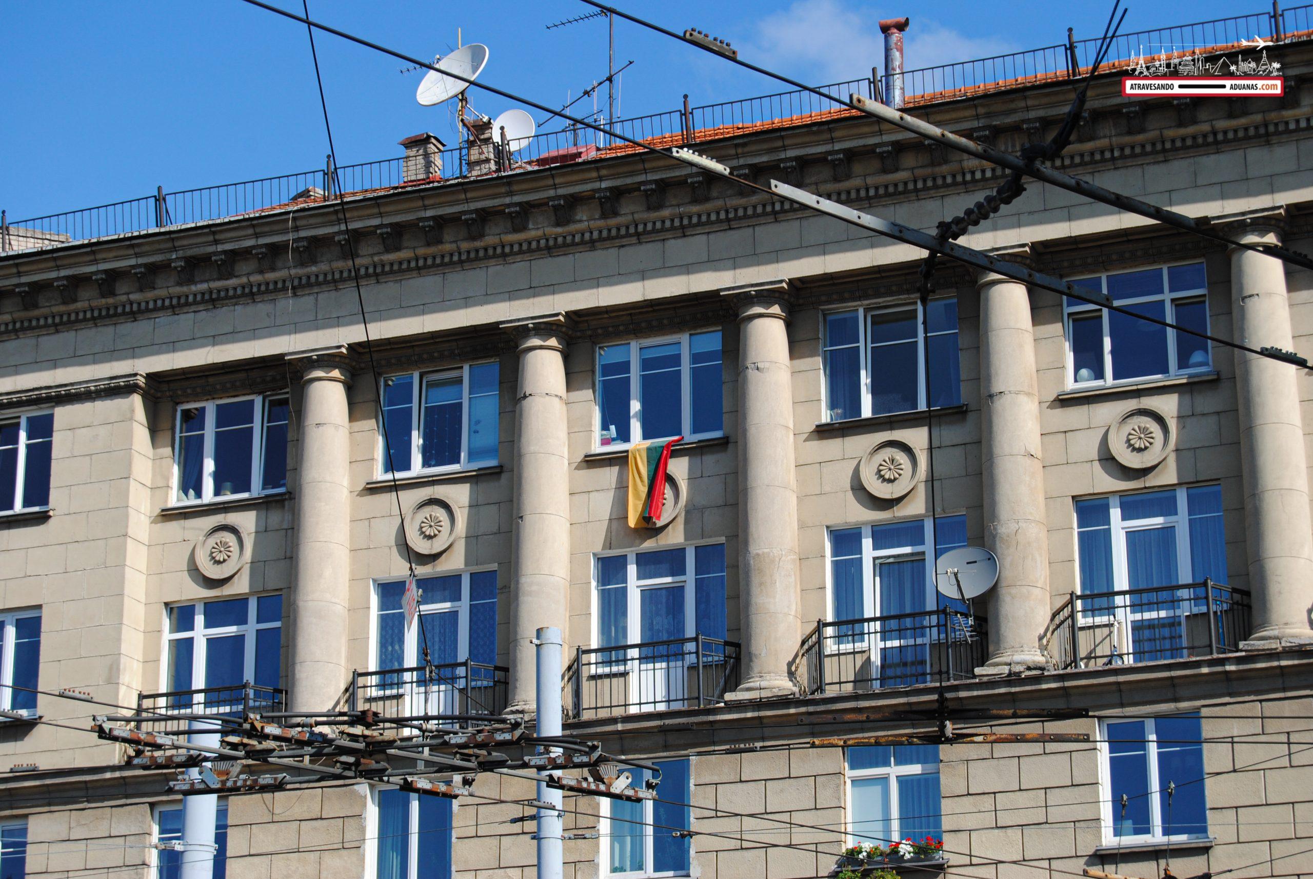 Edificio de la época soviética en Lituania