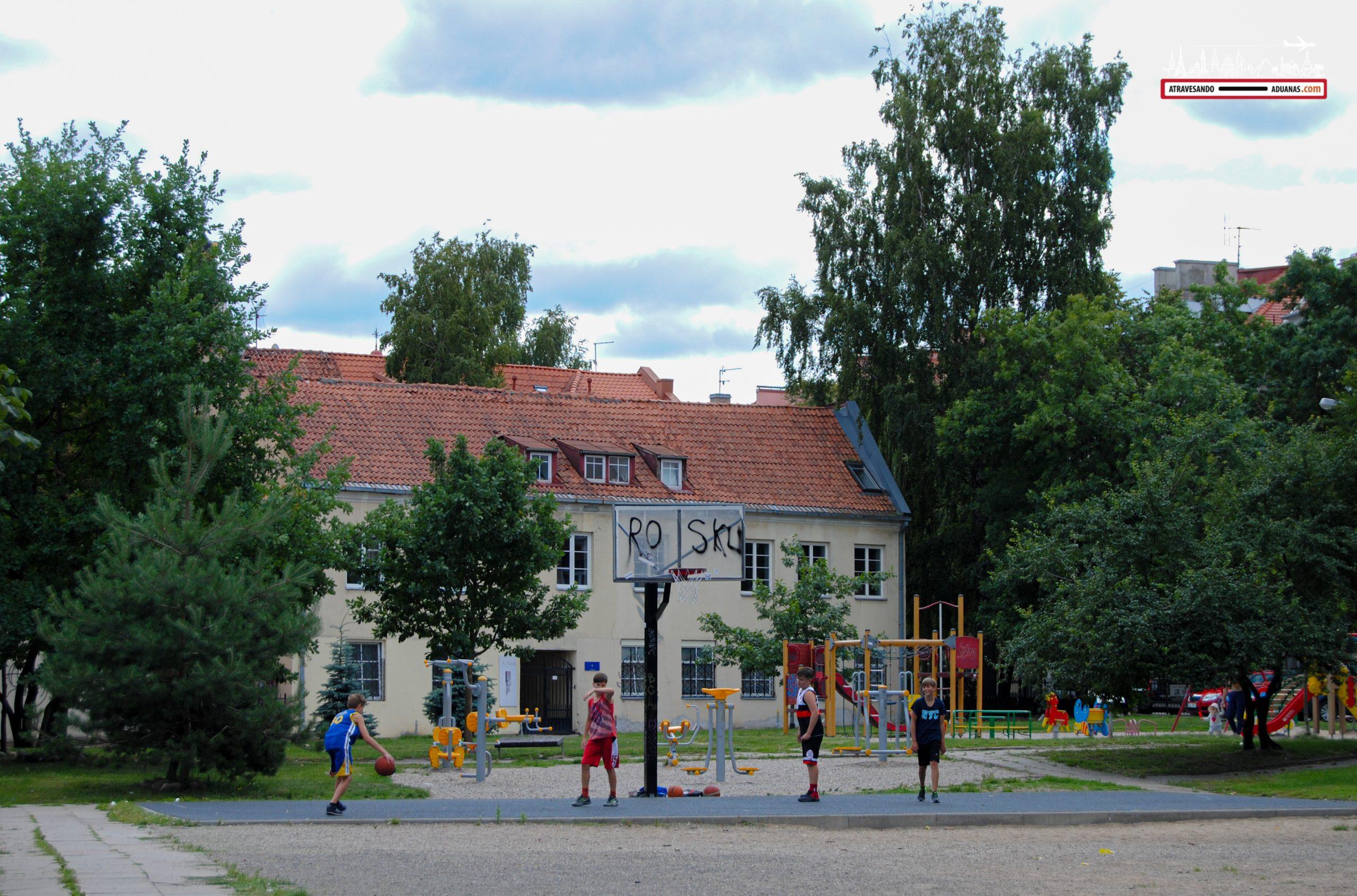 Pista de baloncesto en Vilnius