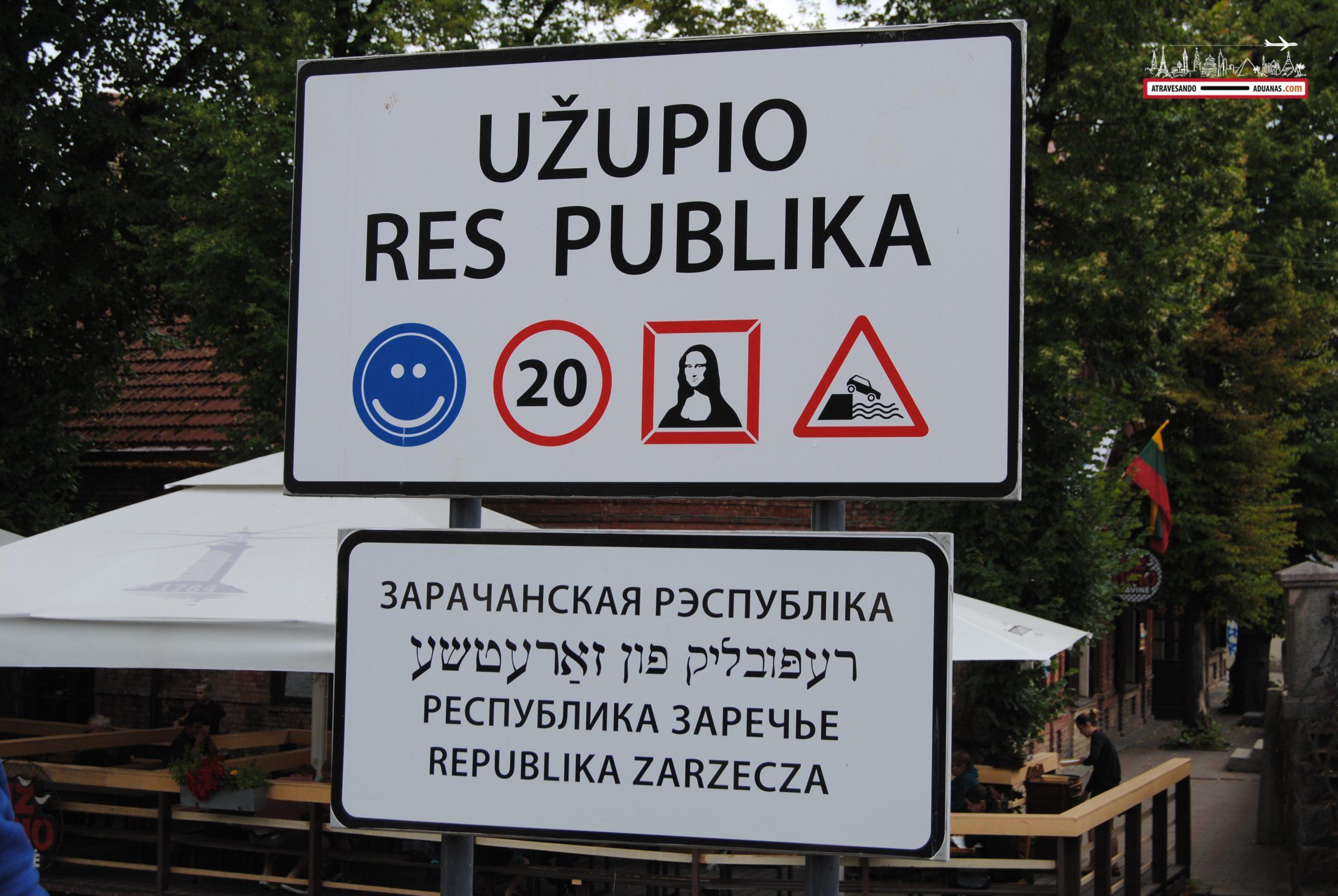 Letrero de la república de Uzupis, Vilnius
