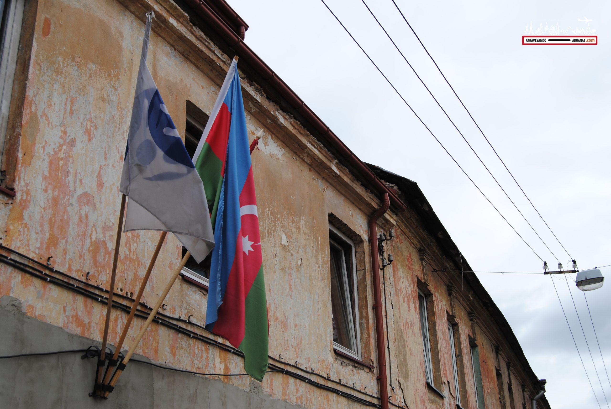 Bandera azerí en Uzupis